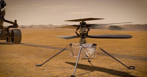 NASA informuje, że w najbliższym tygodniu łazik Perseverance podejmie kluczowe przygotowania do testów helikopterka Ingenuity. Jego pierwszy lot na Marsie odbędzie się nie wcześniej, niż w pierwszym tygodniu kwietnia. O tym, jak przebiegają testy łazika Perseverance w miesiąc po lądowaniu na Czerwonej Planecie, a także o tym, jak Ingenuity przed lotem stanie na czterech nogach, opowiada RMF FM Artur B. Chmielewski z Jet Propulsion Laboratory. Jak przyznaje w rozmowie z Grzegorzem Jasińskim, testy Ingenuity mają dla niego osobiście wielkie znaczenie, bo otrzymał właśnie zadanie przygotowania następnej misji helikoptera na Marsie. Tym razem już misji naukowej.