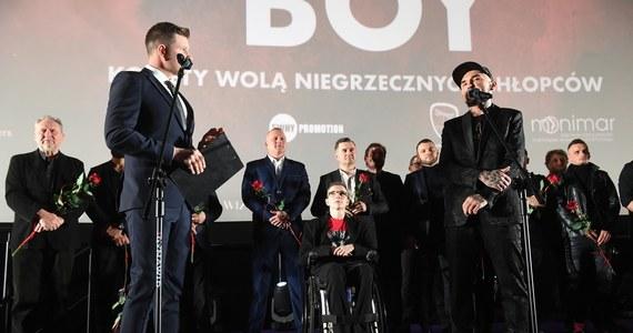 """Około 1 mln złotych straciły polskie aktorki, oszukane metodą """"na policjanta"""" – dowiedziała się Polska Agencja Prasowa. Jedna z kobiet jest znana z filmów Patryka Vegi."""