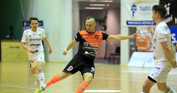 Piast Gliwice wykorzystał nieobecność Constractu Lubawa w najlepszy możliwy sposób. W 25. kolejce STATSCORE Futsal Ekstraklasy Piastunki pokonały Red Dragons Pniewy 3:2 i wskoczyły na pozycję wicelidera.