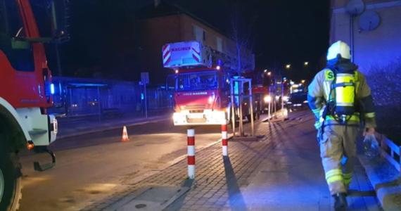 Trzy osoby zostały zatrzymane w związku ze zbrodnią, do której doszło w Opolu. Wczoraj w jednym z mieszkań wybuchł pożar. Na ciele dwóch ofiar odkryto ślady, które sugerują popełnienie zbrodni. Śledztwo w tej sprawie rozpoczęła prokuratura.