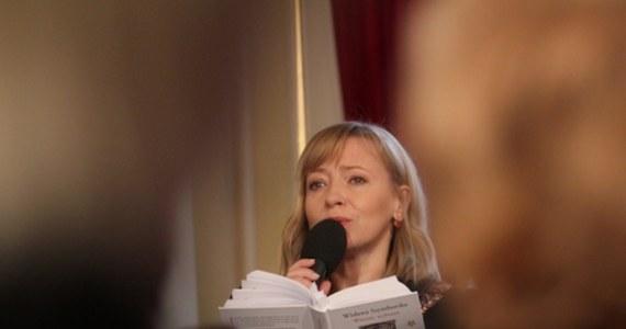 """""""Żadna z osób wymienianych z nazwiska w ostatnich dniach w kontekście aktów przemocy nie pracuje już w naszej uczelni"""" - zapewniła rektor Akademii Sztuk Teatralnych w Krakowie Dorota Segda w oświadczeniu, które jest odpowiedzią na doniesienia dotyczące nadużyć w szkołach teatralnych. Władze krakowskiej AST w ponieziałek wyraziły """"gotowość do wysłuchania głosów wszystkich osób, które doświadczyły przemocy""""."""