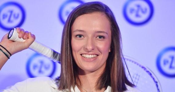 Iga Świątek pokonała Czeszkę Barborę Krejcikovą 6:4, 6:2 i awansowała do trzeciej rundy (1/16 finału) turnieju rangi WTA 1000 na kortach twardych w Miami. Kolejną rywalką polskiej tenisistki będzie Chorwatka Ana Konjuh.