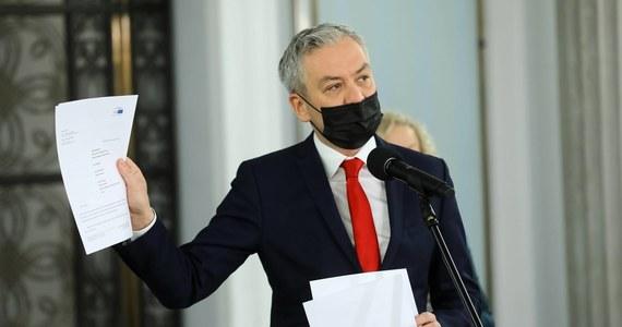 Europoseł Lewicy Robert Biedroń poinformował w czwartek, że jest zakażony koronawirusem.