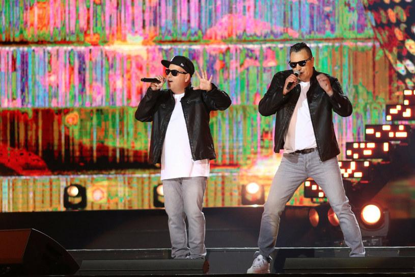 """Duet Long & Junior to kolejny gość nowego programu Disco Polo Music - """"Ostre pytania - Będzie bang!""""."""