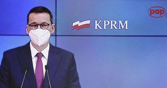 32 proc. Polaków popiera rząd, 44 proc. deklaruje się jako przeciwnicy gabinetu Mateusza Morawieckiego, a 21 proc. jest wobec tego rządu obojętna - wynika z marcowego sondażu CBOS. 39 proc. jest zadowolonych, że na czele rządu stoi Mateusz Morawiecki, a 48 proc. odnosi się do tego z dezaprobatą.