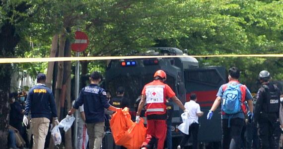 Co najmniej 14 osób zostało rannych w niedzielę w wyniku zamachu bombowego przed katedrą w mieście Makasar na wyspie Celebes w Indonezji - poinformowała indonezyjska policja. Atak przeprowadziło dwóch zamachowców, z których jeden wysadził się w powietrze.