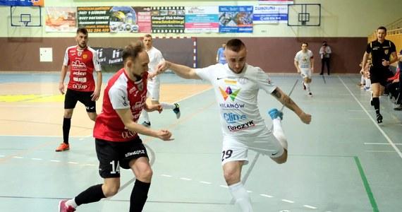 Po 27. kolejce w STATSCORE Futsal Ekstraklasie szczególnie gorąco zrobiło się w dolnych rejonach tabeli. Pierwszy bezpieczny zespół ma już tylko punkt przewagi nad strefą spadkową.
