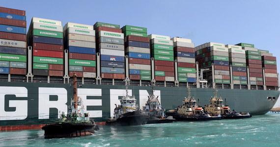 Kontenerowiec Ever Given, który na początku zeszłego tygodnia osiadł na mieliźnie w Kanale Sueskim, został z niej ściągnięty - poinformowała w poniedziałek wczesnym rankiem morska agencja transportowa Inchcape Shipping.