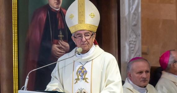 Stolica Apostolska poinformowała o ukaraniu arcybiskupa Sławoja Leszka Głódzia i biskupa Edwarda Janiaka w związku ze sprawą tuszowania nadużyć seksualnych popełnionych przez duchownych, do których dochodziło w ich diecezjach.