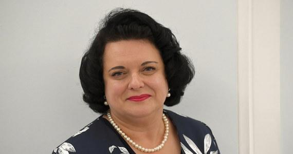 Posłanka Prawa i Sprawiedliwości z Tarnowskich Gór Barbara Dziuk ciężko przechodzi Covid-19. Od ponad tygodnia jest w szpitalu. Dopiero ostatnio stan jej zdrowia się poprawił.