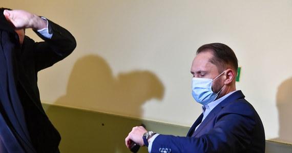 Sąd Rejonowy w Piotrkowie Trybunalski skazał Kamila Durczoka na rok więzienia w zawieszeniu na dwa lata. Dziennikarz w 2019 r., będąc pod wpływem alkoholu, spowodował kolizję na drodze krajowej nr 1.
