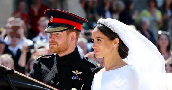 """Książę Harry i Meghan Markle mieli tylko jeden ślub – zapewnia arcybiskup Canterbury. Podczas wywiadu dla Oprah Winfrey Meghan powiedziała, że wymienili z Harrym słowa przysięgi trzy dni przed oficjalnym ślubem w maju 2018 roku. """"Byłoby to poważne przestępstwo"""" – mówi Justin Welby."""