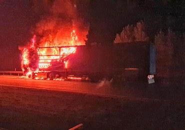 Pożar ciężarówki na A4. Spłonęły przesyłki kurierskie
