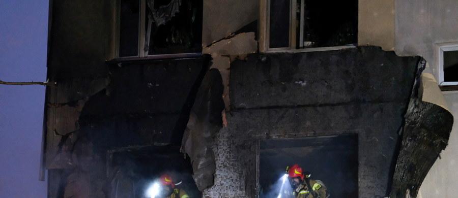 Zmarł ponad 30-letni mężczyzna ranny w ubiegłotygodniowym wybuchu gazu w Zabrzu – informuje Centrum Leczenia Oparzeń w Siemianowicach Śląskich. Pacjent trafił do tej placówki z ciężkimi oparzeniami znacznej powierzchni ciała. Siła eksplozji wyrzuciła go z budynku na zewnątrz.