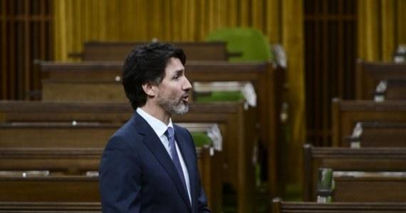 Największe miasto Kanady Toronto zamyka od dzisiaj szkoły, zaś największa prowincja kraju - Ontario - jest w kolejnym lockdownie z powodu trzeciej fali pandemii koronawirusa. W miniony weekend Kanada przekroczyła liczbę 1 mln potwierdzonych przypadków zakażenia.