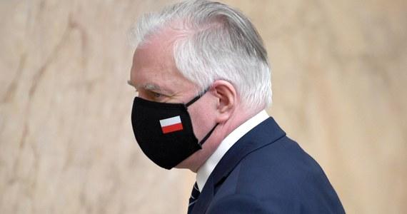 W porównaniu z innymi krajami europejskimi, skala ograniczeń gospodarczych w Polsce należy do najmniejszych - powiedział wicepremier, szef MRPiT Jarosław Gowin. Musimy się przygotowywać na fazę wychodzenia z pandemii, co mam nadzieję, rozpocznie się w ciągu najbliższych 2-3 miesięcy - dodał.