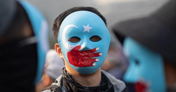 Sąd w Chinach skazał na karę śmierci dwóch Ujgurów, byłych urzędników państwowych z regionu Sinciang, których uznał za winnych działalności separatystycznej i współpracy z terrorystami - przekazała we wtorek oficjalna chińska agencja prasowa Xinhua.