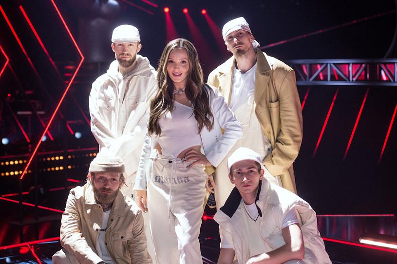 """Już w sobotę uczestnicy dwójkowego talent show, """"The Voice Kids"""", staną do muzycznej walki o zwycięstwo. Gwiazdą odcinka będzie Marina Łuczenko-Szczęsna."""