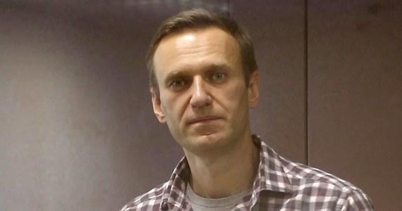 Rosyjski opozycjonista Aleksiej Nawalny miał pierwszy test na Covid-19, który dał wynik negatywny - poinformowała jego prawniczka Olga Michajłowa. Dodała, że poddano go drugiemu badaniu. Adwokaci jeszcze nie znają jego wyniku.