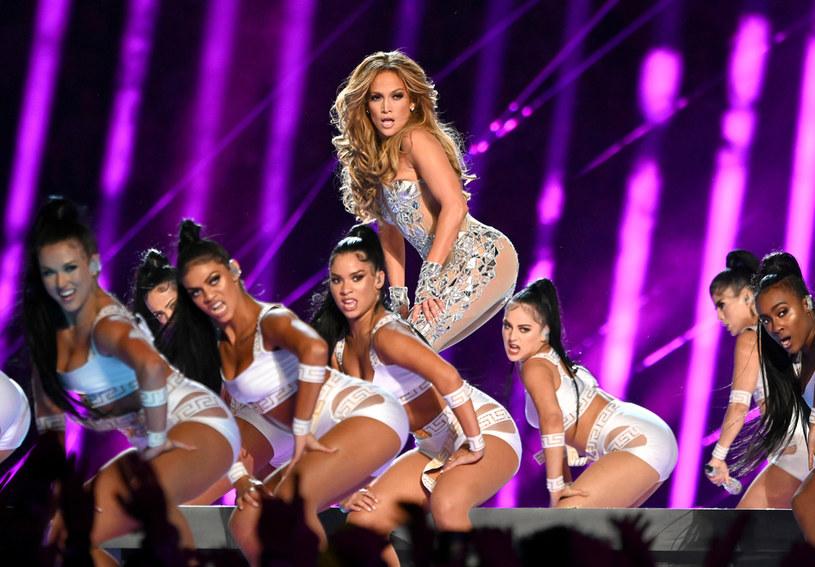 Jennifer Lopez wciąż zachwyca nienaganną sylwetką. Każde kolejne jej zdjęcie wywołuje falę komplementów.