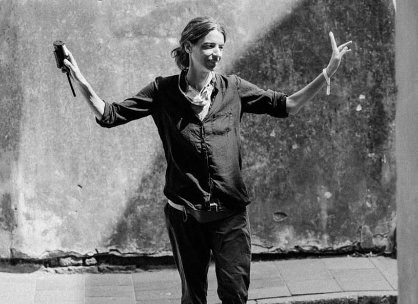 """Nie żyje reżyserka Maria Skąpska, która miała na koncie pracę przy popularnych serialach """"Na Wspólnej"""", """"Prawo Agaty"""" oraz nagradzanym filmie Jana P. Matuszyńskiego """"Ostatnia rodzina"""". Miała 46 lat."""