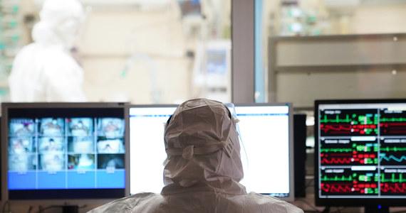 Ministerstw Zdrowia informowało o 28 487 nowych zakażeniach koronawirusem. Niechlubną listę otwiera Śląsk (4686). W ciągu ostatniej doby zmarło 768 pacjentów z Covid-19.