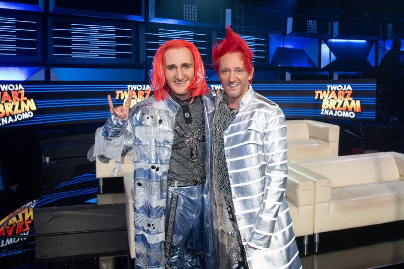 """Jesteśmy już na półmetku! Za nami piąty odcinek """"Twoja Twarz Brzmi Znajomo"""", w którym tym razem najbardziej zachwycił Piotr Gawron-Jedlikowski, wykonując utwór """"It's a Sin"""" brytyjskiego zespołu Pet Shop Boys. Niespodzianką wieczoru był gościnny występ Michała Wiśniewskiego."""