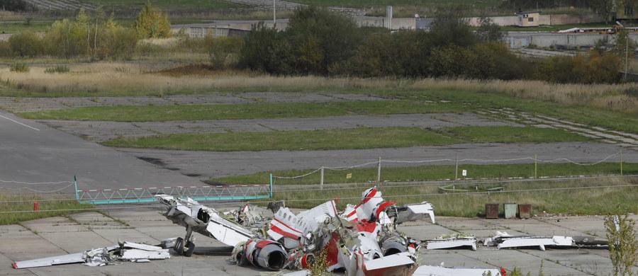 Z udziałem polskich dyplomatów, duchowieństwa i Polonii odbywają się w Smoleńsku uroczystości upamiętniające ofiary katastrofy samolotu Tu-154M z 10 kwietnia 2010 roku. Na Polskim Cmentarzu Wojennym w Katyniu odprawiona zostanie msza polowa.