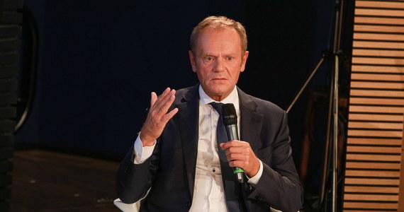"""""""Do tej pory nie mówiłem o tym publicznie, ale prezydent Lech Kaczyński, w rozmowie ze mną w cztery oczy, podkreślał po tzw. incydencie gruzińskim, że od czasu kiedy pilot odmówił lotu do Tbilisi, że on będzie sam podejmował decyzje, kiedy będzie latał samolotem prezydenckim, ponieważ jest głównodowodzącym. Mówił o tym także publicznie"""" - powiedział w TVN24 były  premier Donald Tusk."""