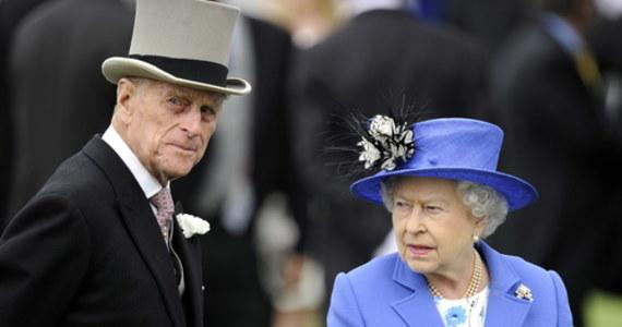 Pogrzeb księcia Filipa, męża brytyjskiej królowej Elżbiety II, odbędzie się w sobotę 17 kwietnia – ogłosił Pałac Buckingham. Rzecznik Pałacu potwierdził, że przybycie na uroczystość planuje wnuk Filipa książę Harry, w Windsorze nie zjawi się natomiast jego ciężarna żona księżna Meghan.