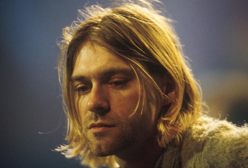 """Wielu fanów muzyki chciałoby usłyszeć nieznane kompozycje Kurta Cobaina, Jima Morrisona czy Amy Winehouse. Teraz to możliwe. Prawie możliwe, bo nowe utwory wygenerował program Magenta, wykorzystując do tego charakterystyczne cechy oryginalnych kompozycji nieżyjących artystów. Projekt, w ramach którego powstały te """"nowe"""" kompozycje, nazywa się """"The Lost Tapes of the 27 Club""""."""