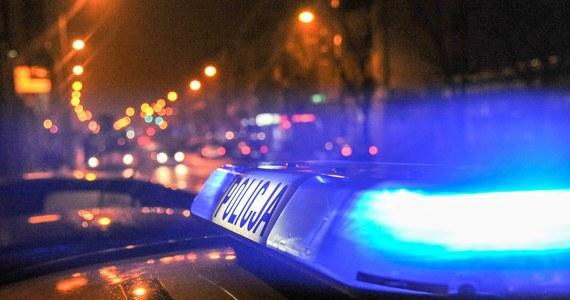 Policjanci przerwali w Kostrzynie nad Odrą w woj. lubuskim przygotowania do organizacji nielegalnych wyścigów ulicznych. Na zlot zjechało około 200 samochodów. Sprawa trafi do prokuratury - poinformował Grzegorz Jaroszewicz z Komendy Miejskiej Policji w Gorzowie Wlkp.
