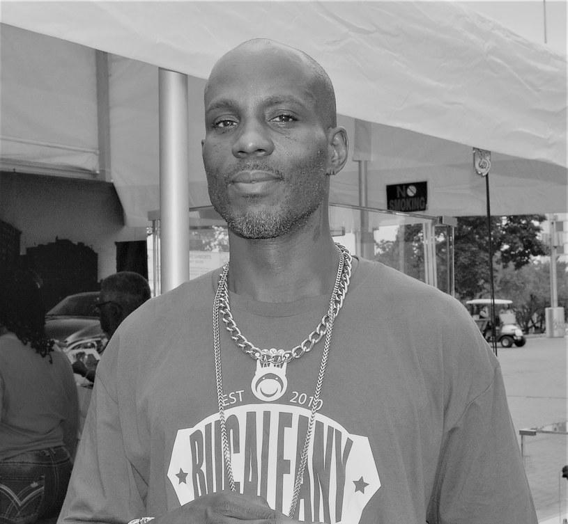 Legenda hip hopu - raper DMX - nie żyje. Po tygodniu przebywania na oddziale intensywnej terapii rodzina podjęła decyzję o odłączeniu 50-letnia gwiazdora od aparatury podtrzymującej życie. Miasto rapera pomoże jego rodzinie?