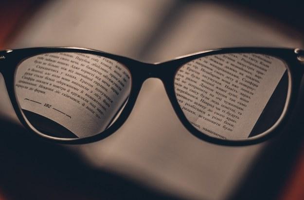 Okulary czy soczewki? Które sprawdzają się lepiej?