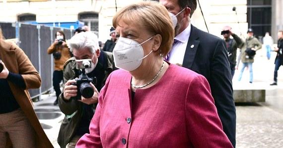 Obecny wskaźnik zakażeń koronawirusem w Niemczech jest o wiele za wysoki - oceniła w poniedziałek kanclerz RFN Angela Merkel. Ostrzegła, że obecna trzecia fala pandemii może jeszcze okazać się najcięższa.