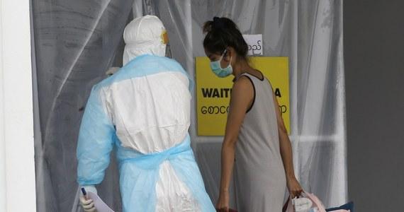 """Szef Światowej Organizacji Zdrowia (WHO) Tedros Adhanom Ghebreyesus powiedział, że pandemia koronawirusa jeszcze długo się nie skończy, ale w ciągu kilku miesięcy, podejmując właściwe decyzje ws. zdrowia publicznego, można """"uzyskać nad nią kontrolę""""."""