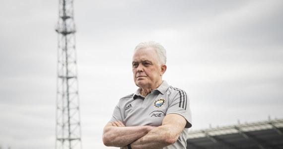 Włodzimierz Gąsior po raz czwarty w karierze poprowadzi piłkarzy Stali Mielec. Szkoleniowiec zastąpił na trenerskiej ławce Leszka Ojrzyńskiego.