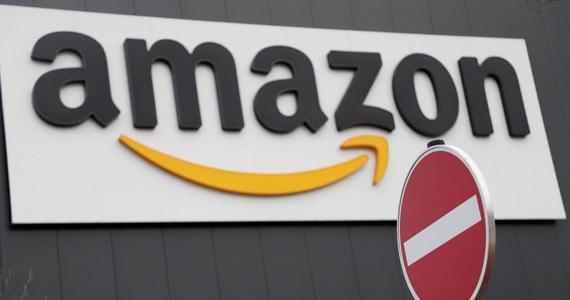 """Federalne Biuro Śledcze (FBI) aresztowało mężczyznę, który rzekomo planował zamach bombowy na centrum danych firmy Amazon, co jego zdaniem """"odcięłoby ok. 70 proc. internetu"""" - podaje w poniedziałek portal BBC News. Grozi mu do 20 lat więzienia."""