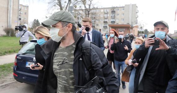 Co najmniej kilka tygodni minie, zanim sąd zajmie się zażaleniem prokuratury na decyzję o wypuszczeniu z aresztu byłego ministra transportu. Sławomir Nowak, podejrzany o korupcję, w poniedziałek po południu opuścił areszt na warszawskiej Białołęce. Przebywał w nim 9 miesięcy.