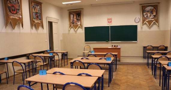 Minister edukacji i nauki Przemysław Czarnek w Porannej rozmowie w RMF FM potwierdził termin tegorocznych egzaminów maturalnych. Poinformował też, jakie wymagania będą obowiązywać maturzystów.