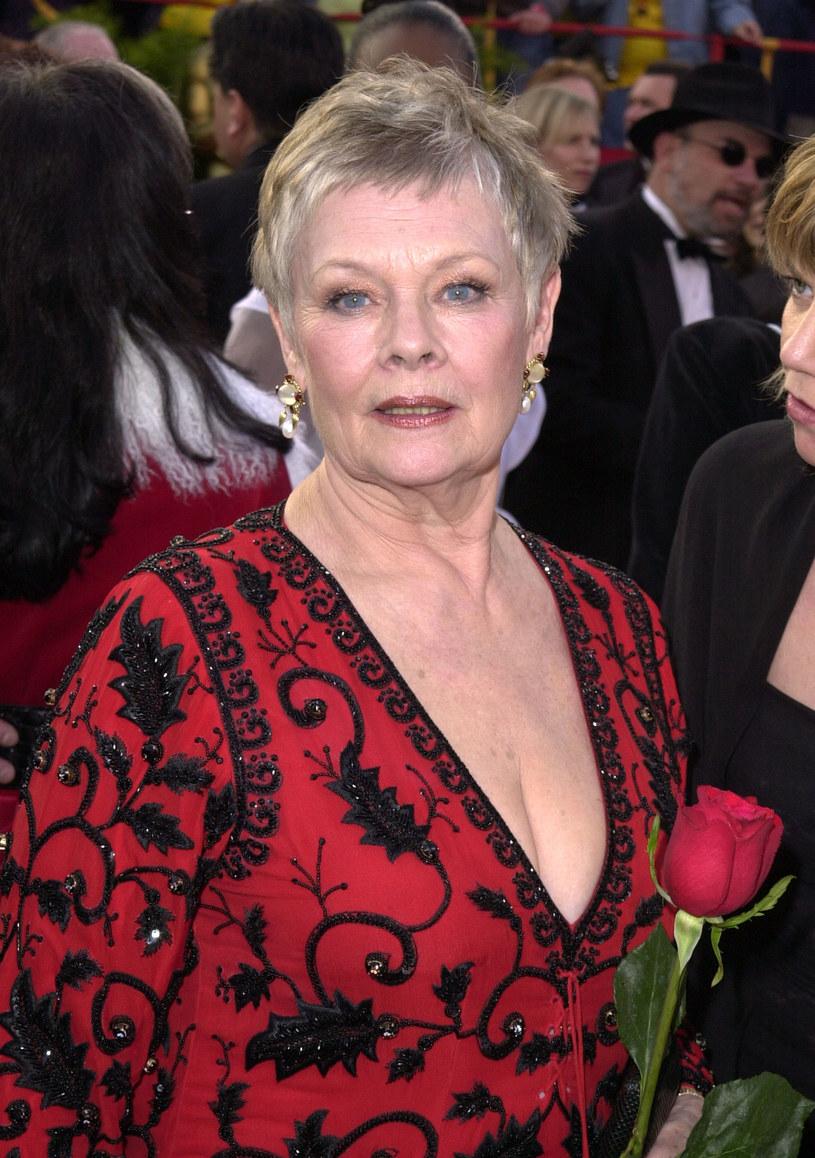 """Nagrodzona Oscarem za najlepszą drugoplanową rolę żeńską w filmie """"Pollock"""" Marcia Gay Harden udzieliła ostatnio wywiadu, w którym wróciła pamięcią do dnia swojego triumfu sprzed 20 lat. Z jej słów wynika, że nie wszystkie konkurentki nominowane razem z nią do tej nagrody cieszyły się z jej zwycięstwa. Choć nie podaje konkretnego nazwiska, ze słów Harden wynika, że może chodzić o Judi Dench."""