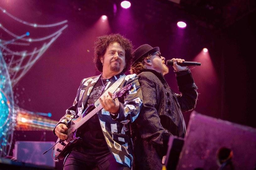 """Z powodu pandemii koronawirusa przełożono jedyny polski koncert grupy Toto, znanej z takich przebojów, jak: """"Hold The Line"""", """"Africa"""" czy """"Rosanna"""". Znamy już nowy termin występu."""