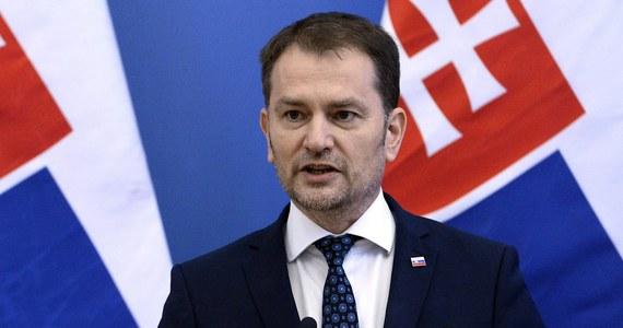 Od poniedziałku Słowacja ma odejść od części restrykcji związanych z koronawirusem, między innymi w po raz pierwszy od czterech miesięcy zostaną otwarte sklepy. O warunkach znoszenia ograniczeń poinformował we wtorek były premier, aktualnie minister finansów Igor Matovicz.