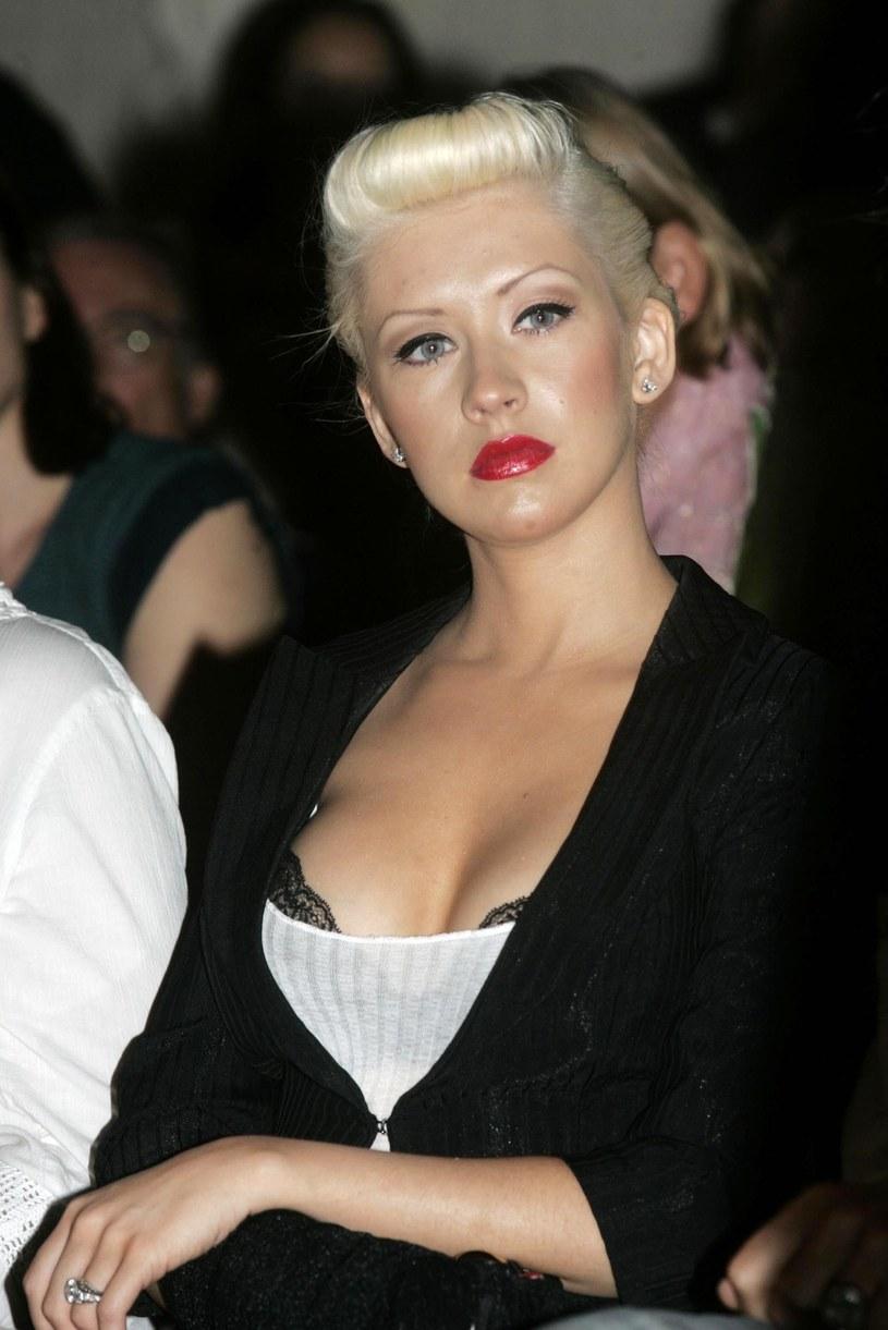 Christina Aguilera przyznała, że jej dziecięca kariera nie była najlepszym czasem w jej życiu. Wokalistka przyznała, że z niepokojem wraca do tamtych czasów, kiedy to z wielu powodów nie mogła być szczęśliwa.