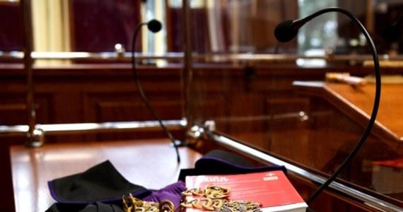 Prokurator regionalny w Krakowie zdecydował o zmianie formuły spotkania 80 prokuratorów. Spotkanie śledczych ma się odbyć jutro. Zostaną im przedstawione kandydatury na stanowisko szefów prokuratur rejonowych.