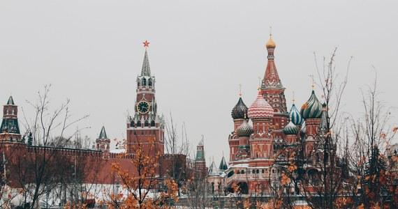 Rosja wydali trzech polskich dyplomatów w odpowiedzi na wydalenie trzech pracowników ambasady Rosji w Warszawie – wyraził w czwartek przekonanie wiceprzewodniczący Komisji Spraw Zagranicznych Rady Federacji Władimir Dżabarow.