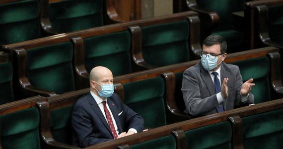 Jeśli zostanę wybrany na Rzecznika Praw Obywatelskich, nie będę ani rzecznikiem rządu, ani rzecznikiem opozycji - powiedział Bartłomiej Wróblewski w czwartek po wyborze przez Sejm na RPO. Zgodnie z przepisami wybrany przez Sejm kandydat musi zostać zaakceptowany przez Senat.