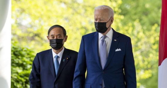 Premier Japonii Yoshihide Suga został w piątek przyjęty w Białym Domu jako pierwszy zagraniczny przywódca za prezydentury Joe Bidena. Zaniepokojeni wzrostem znaczenia Chin politycy zapewniali o swoim przywiązaniu do demokracji oraz rozwoju współpracy w dziedzinie technologii.