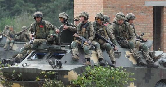 Szef sztabu generalnego Sił Zbrojnych Ukrainy generał Rusłan Chomczak zaapelował do ukraińskich władz lokalnych, by nie tworzyły oddziałów ochotników, bo może być to wykorzystane przez rosyjską propagandę. Wcześniej taki zamiar ogłosiły władze Iwano-Frankiwska.
