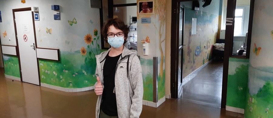 Pierwszy w Polsce, a nawet w Europie zabieg kardioneuroablacji z napadowym blokiem serca wykonano w Instytucie Centrum Zdrowia Matki Poliki w Łodzi. 12-letni pacjent, który z rozrusznikiem funkcjonował od 2. roku życia, teraz będzie mógł pozbyć się urządzenia i aktywnie żyć.